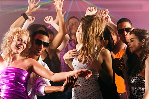 bars and clubs for swingers